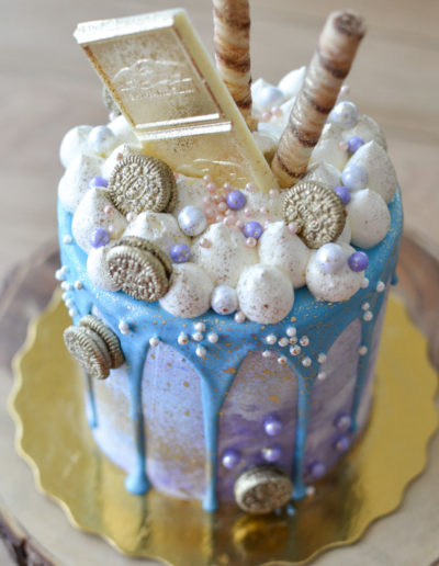 Blue-and-Gold-Drip-Cake